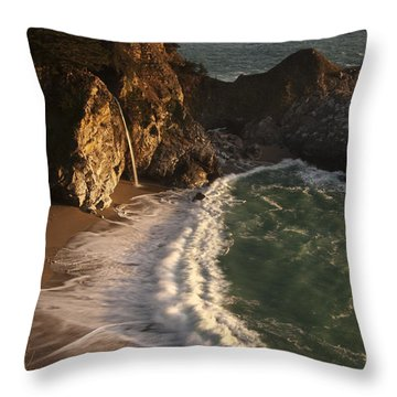 Throw Pillow featuring the photograph Mcway Falls 2 by Lee Kirchhevel