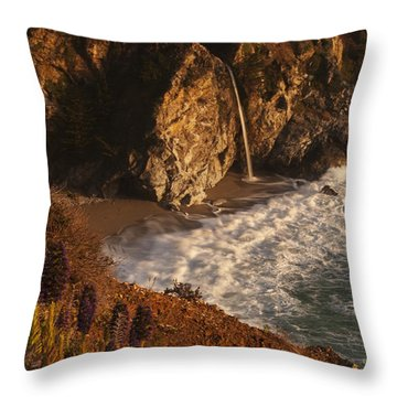 Throw Pillow featuring the photograph Mcway Falls 4 by Lee Kirchhevel