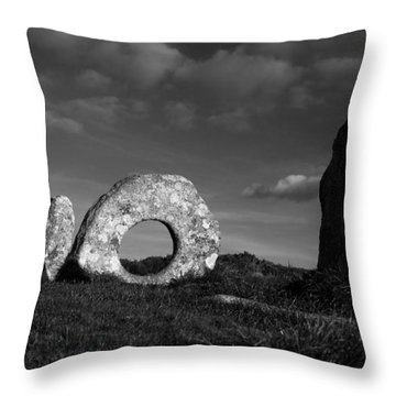 Men An Tol Ancient Monument Throw Pillow