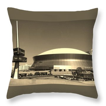 Mercedes Benz Superdome - New Orleans La Throw Pillow