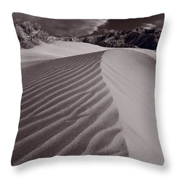 Mesquite Dunes Death Valley B W Throw Pillow