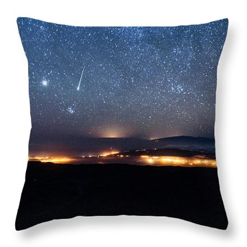 Meteor Over The Big Island Throw Pillow