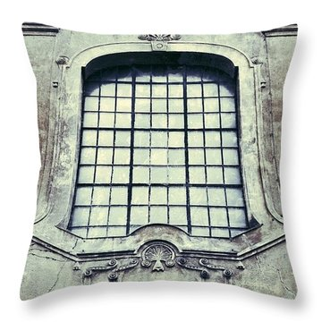 Buildings Throw Pillows