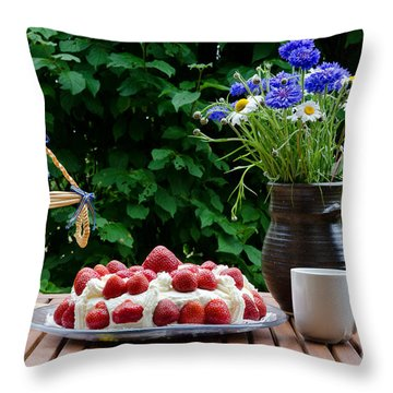 Midsummer Table Throw Pillow