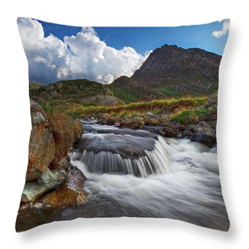 Mighty Tryfan  Throw Pillow