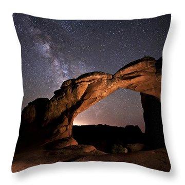 Milkyway Over Broken Arch Throw Pillow