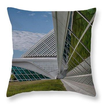 Milwakee Art Museum Throw Pillow