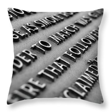 Minute Man Statue Plaque Throw Pillow