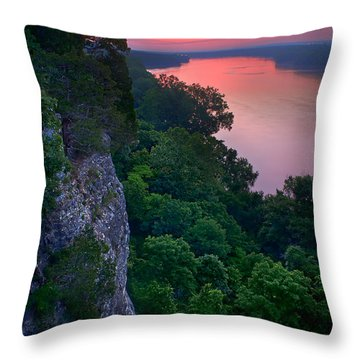 Missouri River Bluffs Throw Pillow