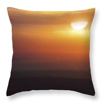 Misty Peaks And Valleys Under The Rising Sun - Mt. Nebo - Arkansas Throw Pillow