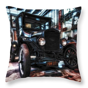 Model T In Hdr Throw Pillow