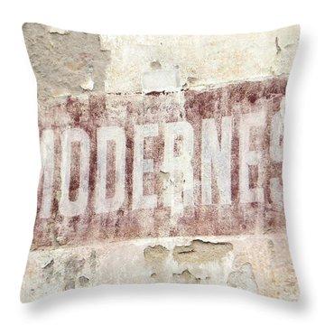 Modernes Throw Pillow