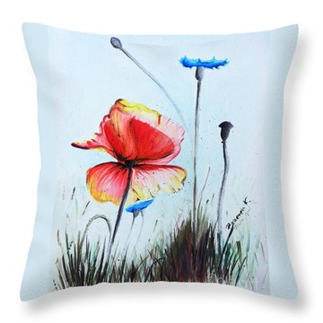 Mohnwiese Throw Pillow