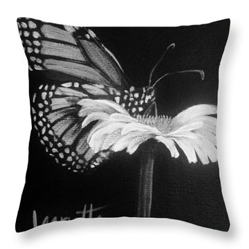 Monarch On A Daisy Throw Pillow