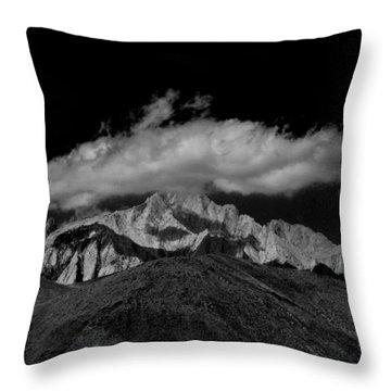Montagna Bianca Throw Pillow