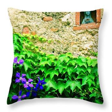 Monteriggioni Virgin Throw Pillow