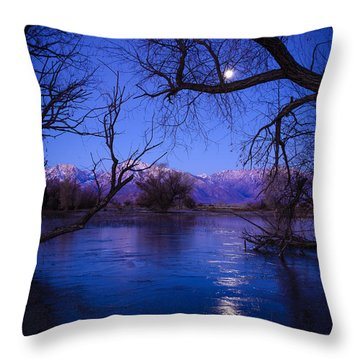 Moonset On Farmers Pond Throw Pillow