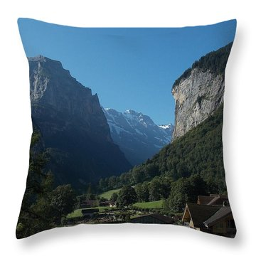 Morning In Lauterbrunnen Throw Pillow