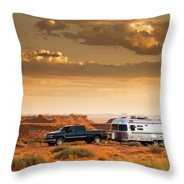 Motor Home Camper On Vacation Throw Pillow