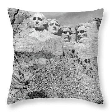 Mount Rushmore South Dakota Usa Throw Pillow