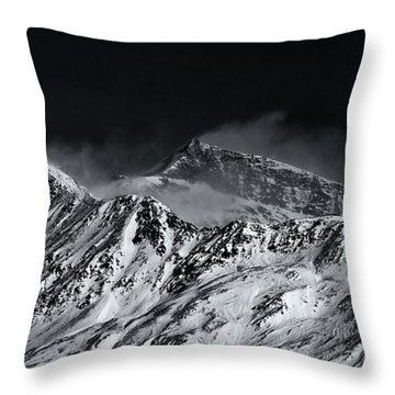 Mountainscape N. 5 Throw Pillow