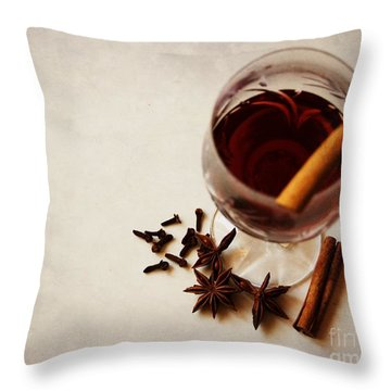 Mulled Wine I Throw Pillow