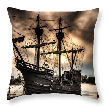 Nao Victoria In Hdr Throw Pillow by Michael White