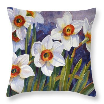 Narcissus Daffodil Flowers Throw Pillow