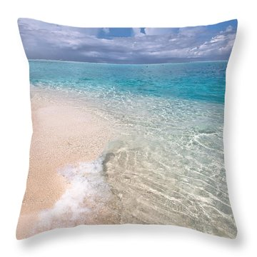 Natural Wonder. Maldives Throw Pillow