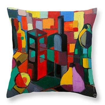 Nature Morte Cubiste Throw Pillow