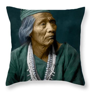 Nesjaja Hatali - Navaho Throw Pillow