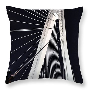 New Mississippi River Bridge Throw Pillow