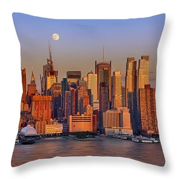 New York City Skyline Full Moon And Sunset Throw Pillow by Susan Candelario