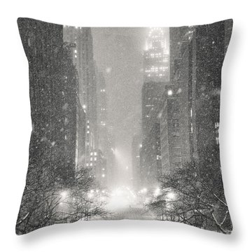 New York City - Winter Night Overlooking The Chrysler Building Throw Pillow