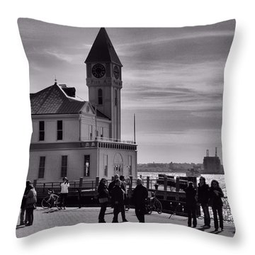 New York Harbor In Black And White Throw Pillow