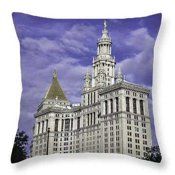New York Municipal Building Throw Pillow