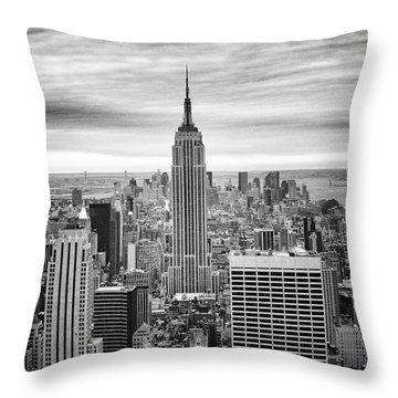 Black And White Photo Of New York Skyline Throw Pillow
