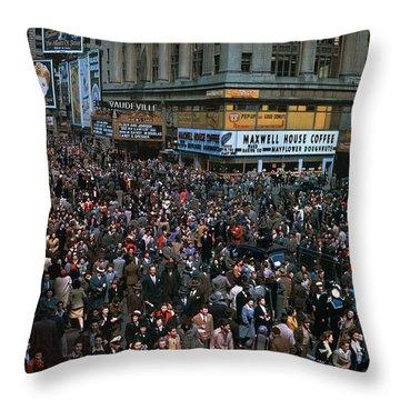 New York: V-e Day, 1945 Throw Pillow by Granger