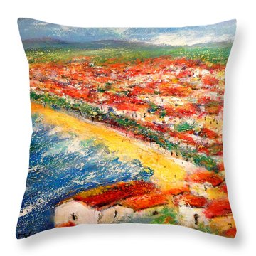 Nice La Belle Throw Pillow