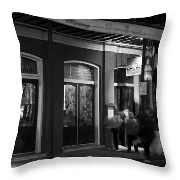 Night At Muriel's Jackson Square In Black And White Throw Pillow