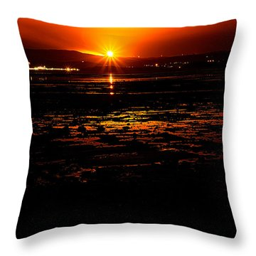 Night Flare. Throw Pillow