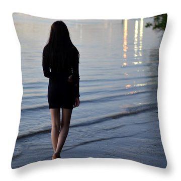 No Man's Land Throw Pillow by Laura Fasulo