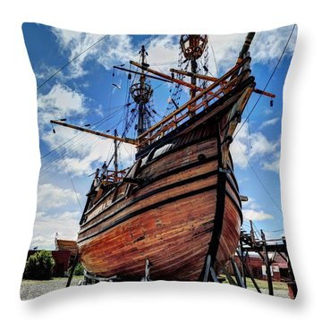 Noa Victoria Throw Pillow