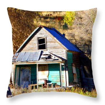 Throw Pillow featuring the photograph Nobody's Home by Jackie Carpenter