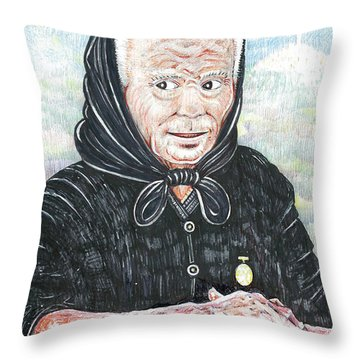 Forenza Vita Nonna Filomena Ti Vedo Ti Sento Throw Pillow