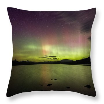 Northern Lights Over Ricker Pond Throw Pillow