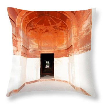 Oil Painting - Doorway In Humayun Tomb Throw Pillow by Ashish Agarwal