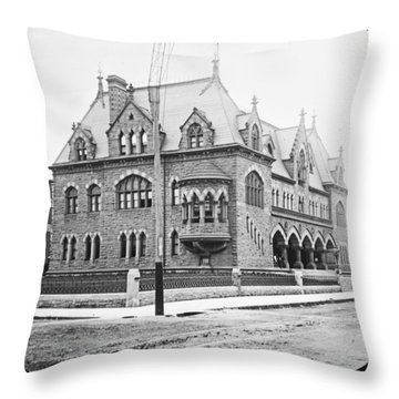 Old Customs House And Post Office Evansville Indiana 1915 Throw Pillow
