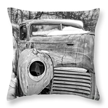 Throw Pillow featuring the photograph Old Hudson In The Snow Black And White by Edward Fielding