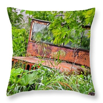 Old Jeep Throw Pillow